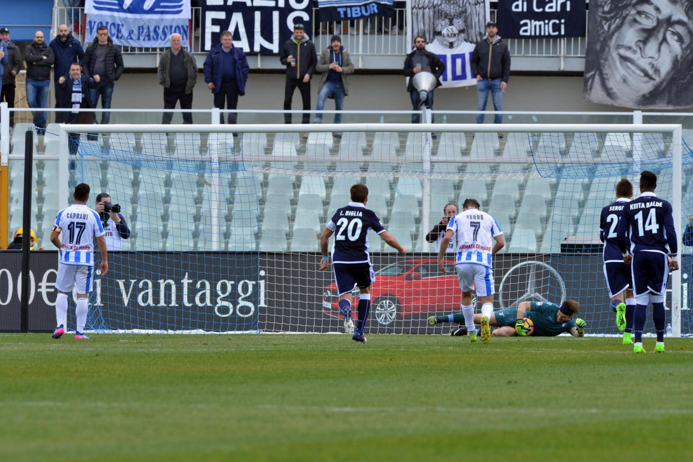 Pescara-Lazio serie A 2016-2017, Caprari sbaglia il calcio del rigore per il Pescara