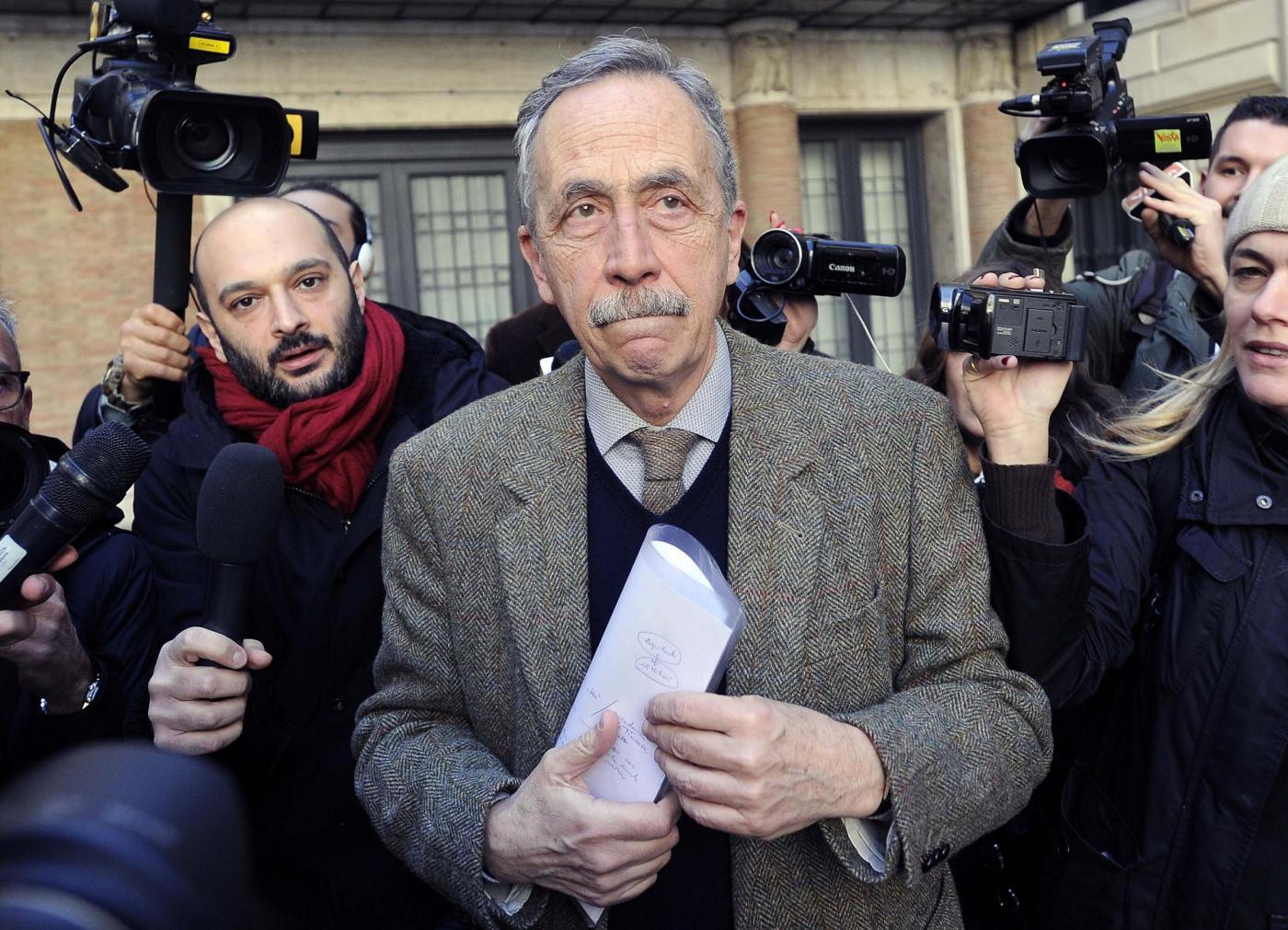 Giunta Raggi nel caos, Berdini lascia: 'Le periferie sprofondano ma il problema è lo stadio'