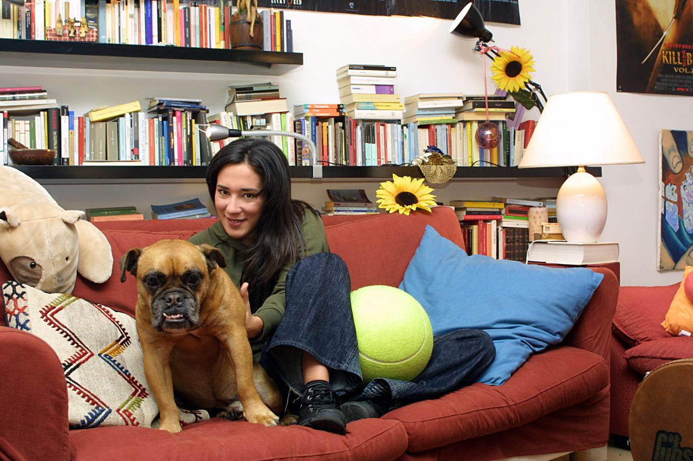 Qualcosa, il libro di Chiara Gamberale: un saggio esistenziale sotto forma di fiaba per adulti