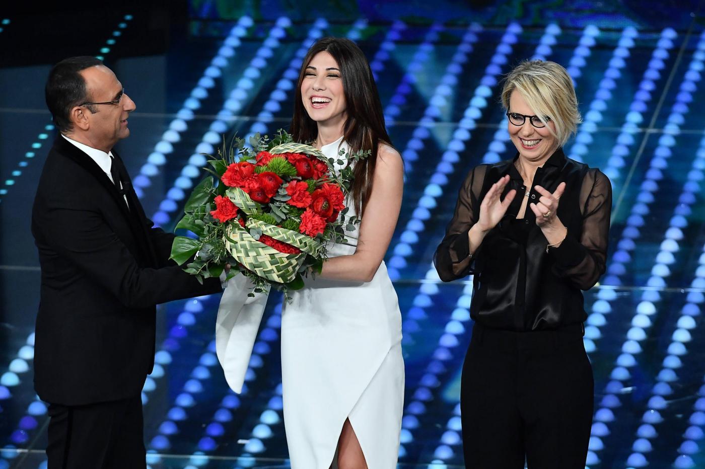 Sanremo 2017 ascolti quarta serata: in calo share e spettatori