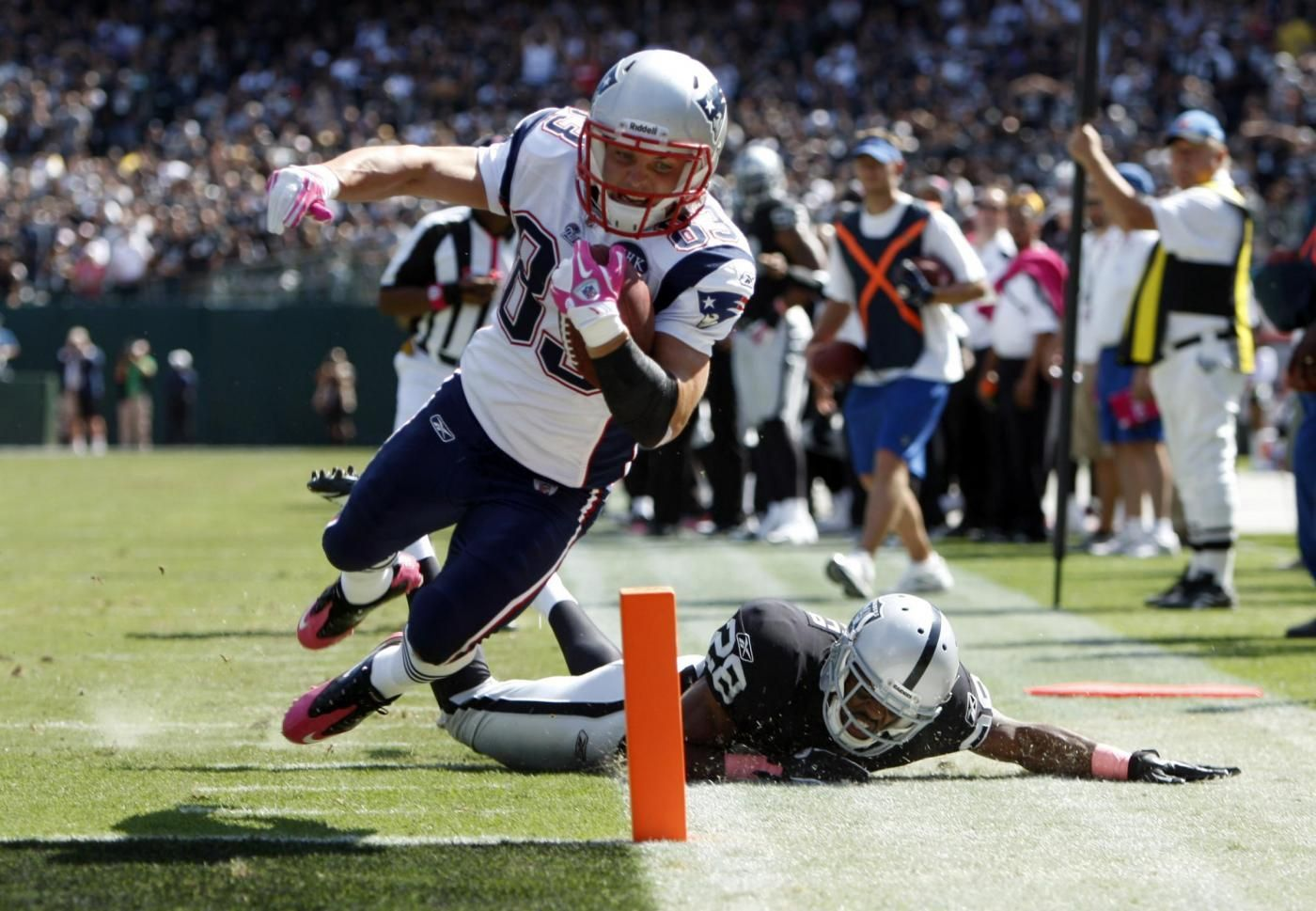 NFL 2011 Patriots Defeat Raiders 31 19