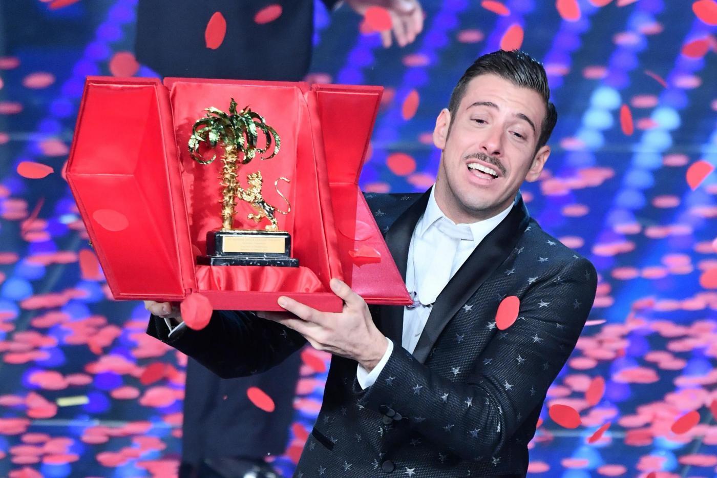 Sanremo 2017 finale: il vincitore è Francesco Gabbani