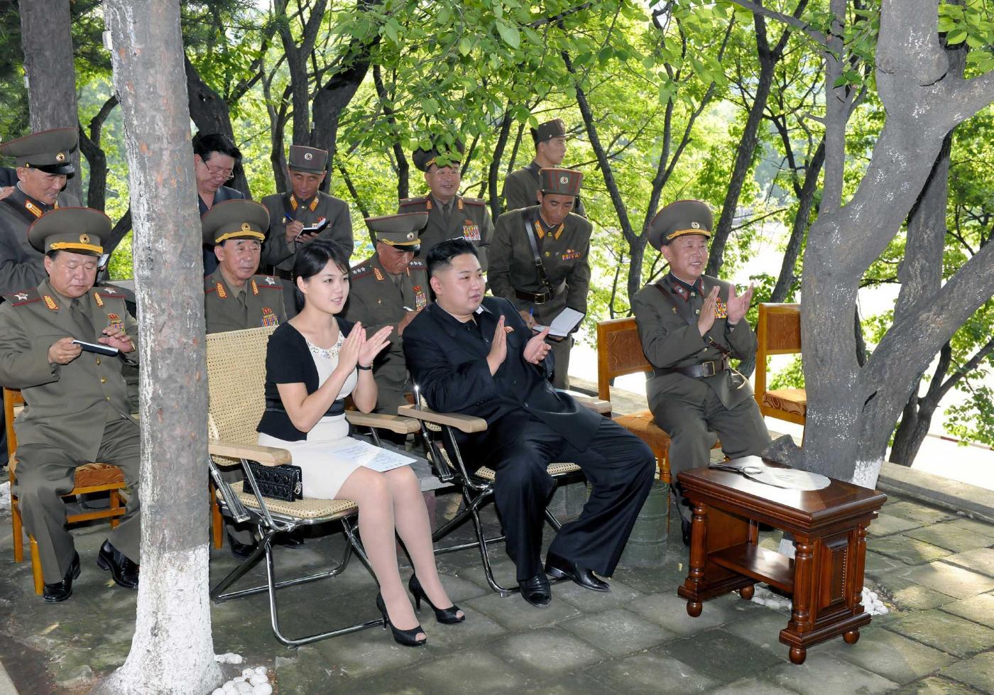 Kim Jong Un in visita all' Esercito popolare di Corea