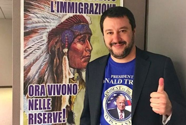 Salvini foto maglietta Trump, l'ironia e i meme sul web