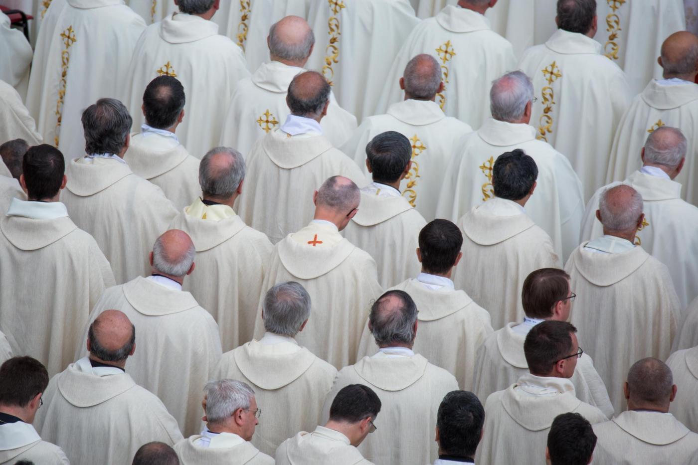 Celibato dei preti, perché i sacerdoti non si possono sposare