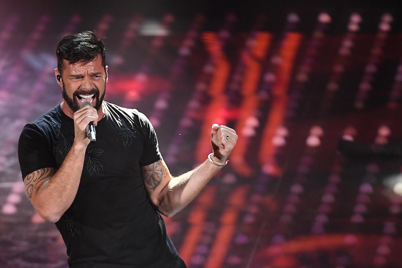 Ricky Martin al Festival di Sanremo 2017: l'esibizione della star latin pop