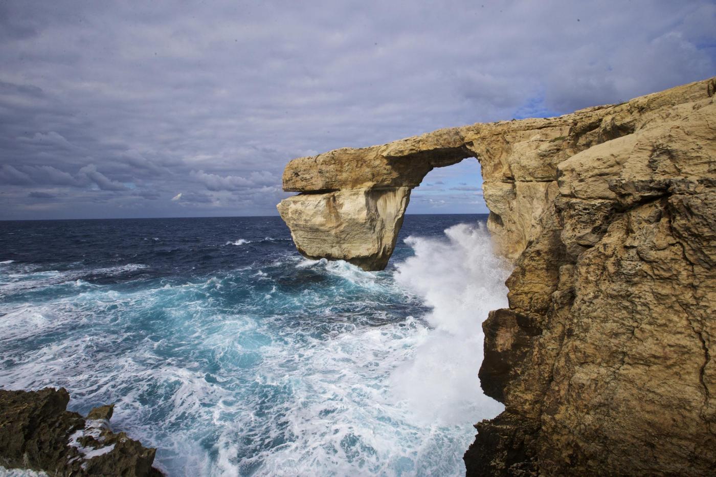 Malta, la Finestra Azzurra dell'isola di Gozo è crollata in mare