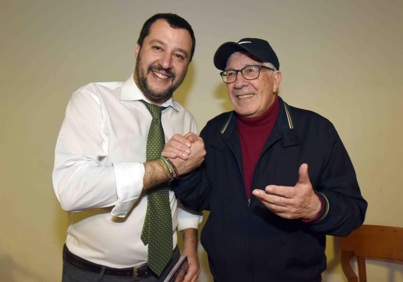 Salvini a Napoli e Peppino Di Capri: la profezia di Massimo Troisi si avvera dopo 27 anni