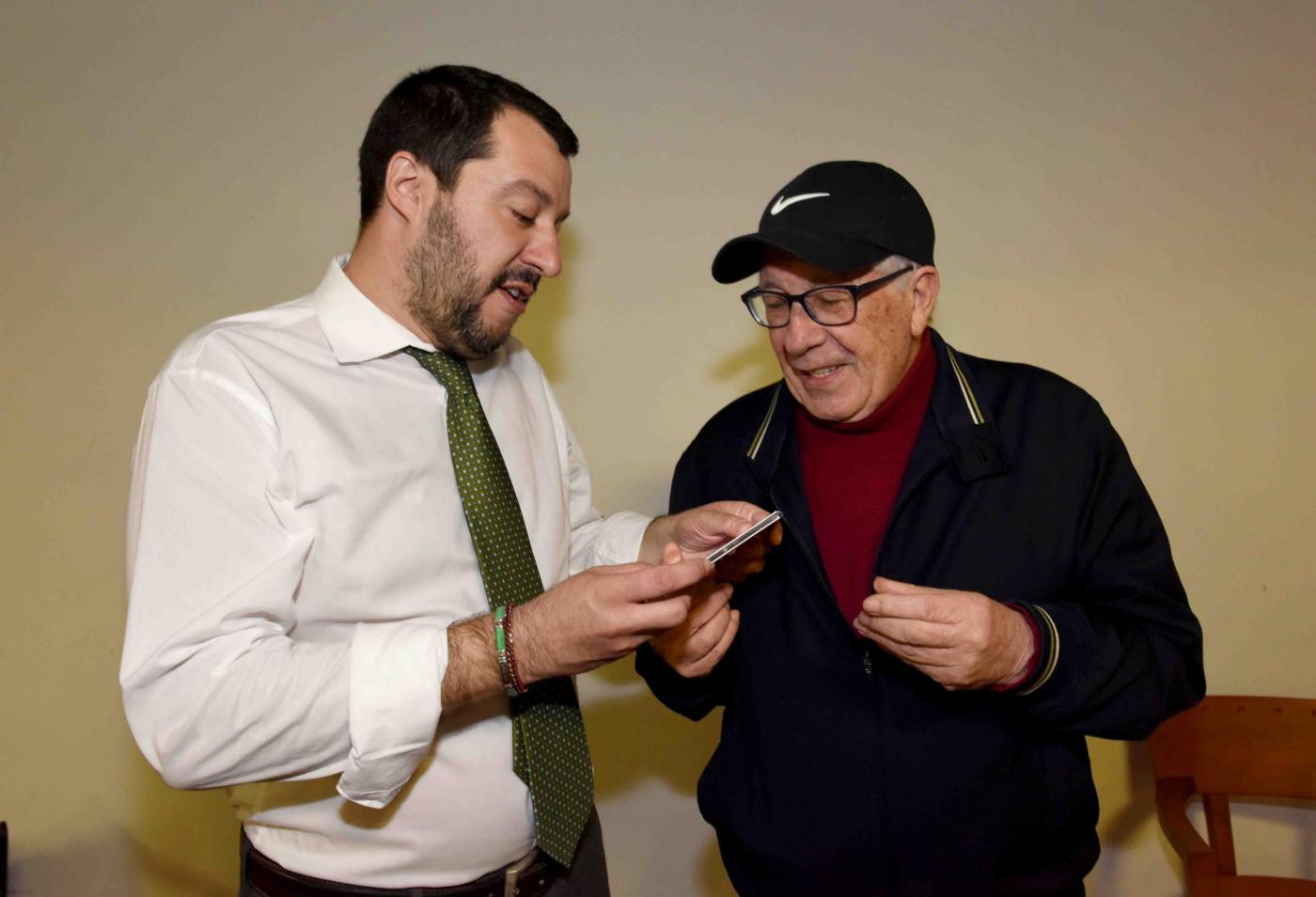 Matteo Salvini a Napoli incontra Peppino Di Capri