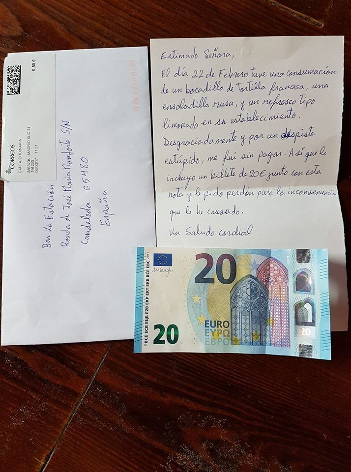 Bar riceve lettera di scuse e 20 euro da cliente che si era dimenticato di pagare il conto
