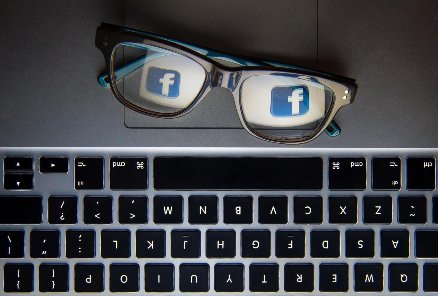 Social workers should use Facebook when searching for missing parents says judge