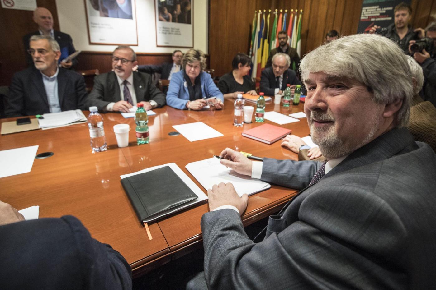Pensioni anticipate news ultima ora - Poletti incontra i sindacati