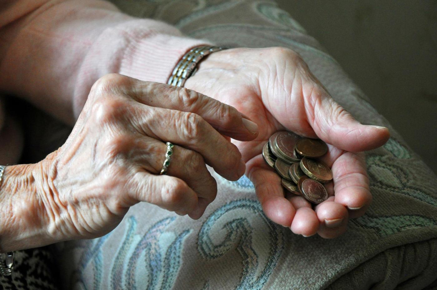 Pensioni 14esima 2018 fino a 655 euro: a chi spetta l'assegno aggiuntivo INPS a luglio