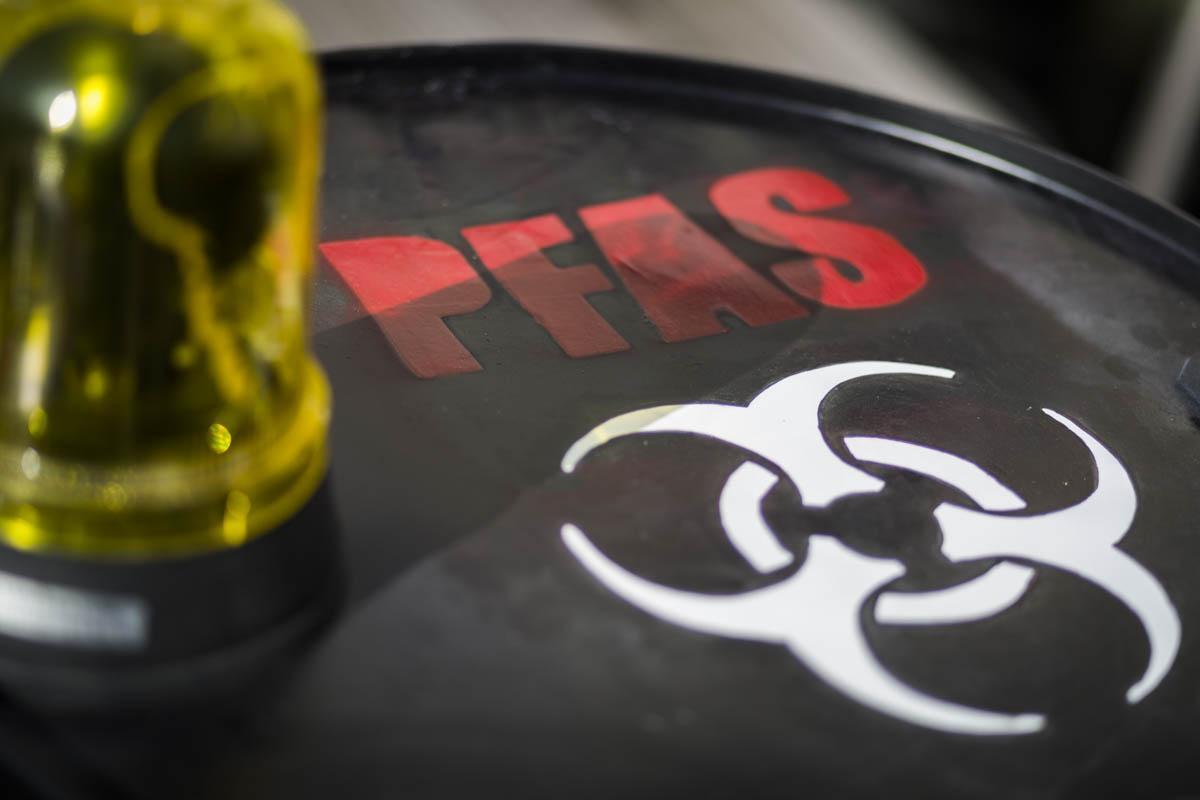 Pfas in Veneto, la fabbrica dei veleni che sta facendo ammalare la Regione