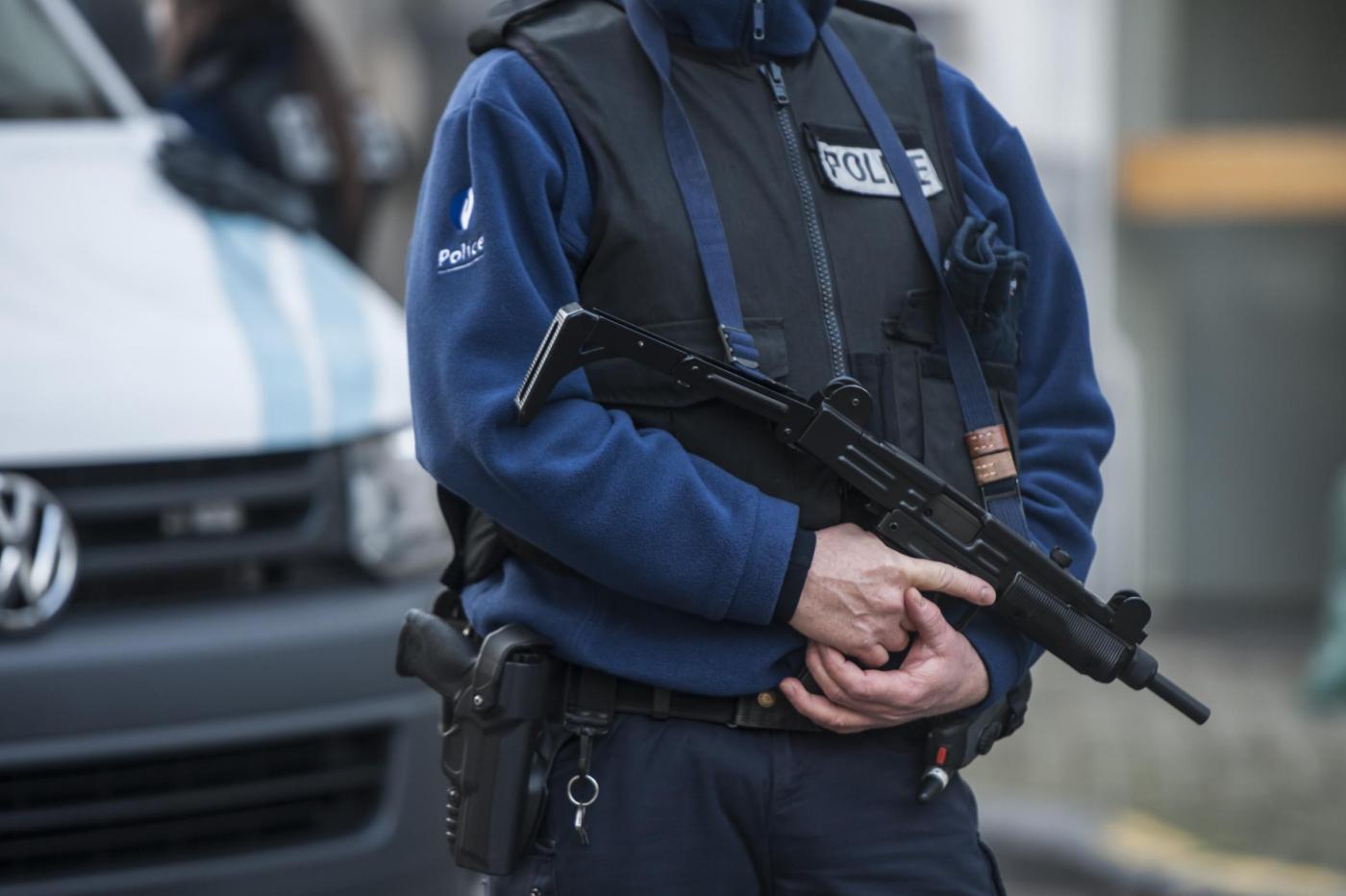 Operazione anti terrorismo della polizia belga nel quartiere ebraico di Anversa.