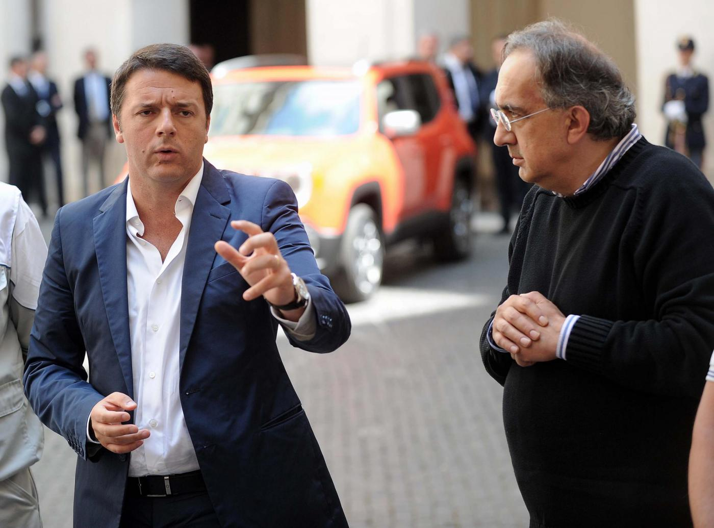 Matteo Renzi incontra a Palazzo Chigi John Elkann e Sergio Marchionne