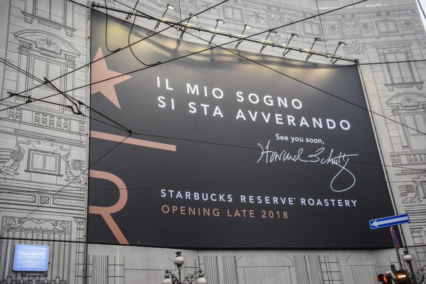 Starbucks a Milano? A chi polemizza rispondiamo che Starbucks non è solo una caffetteria