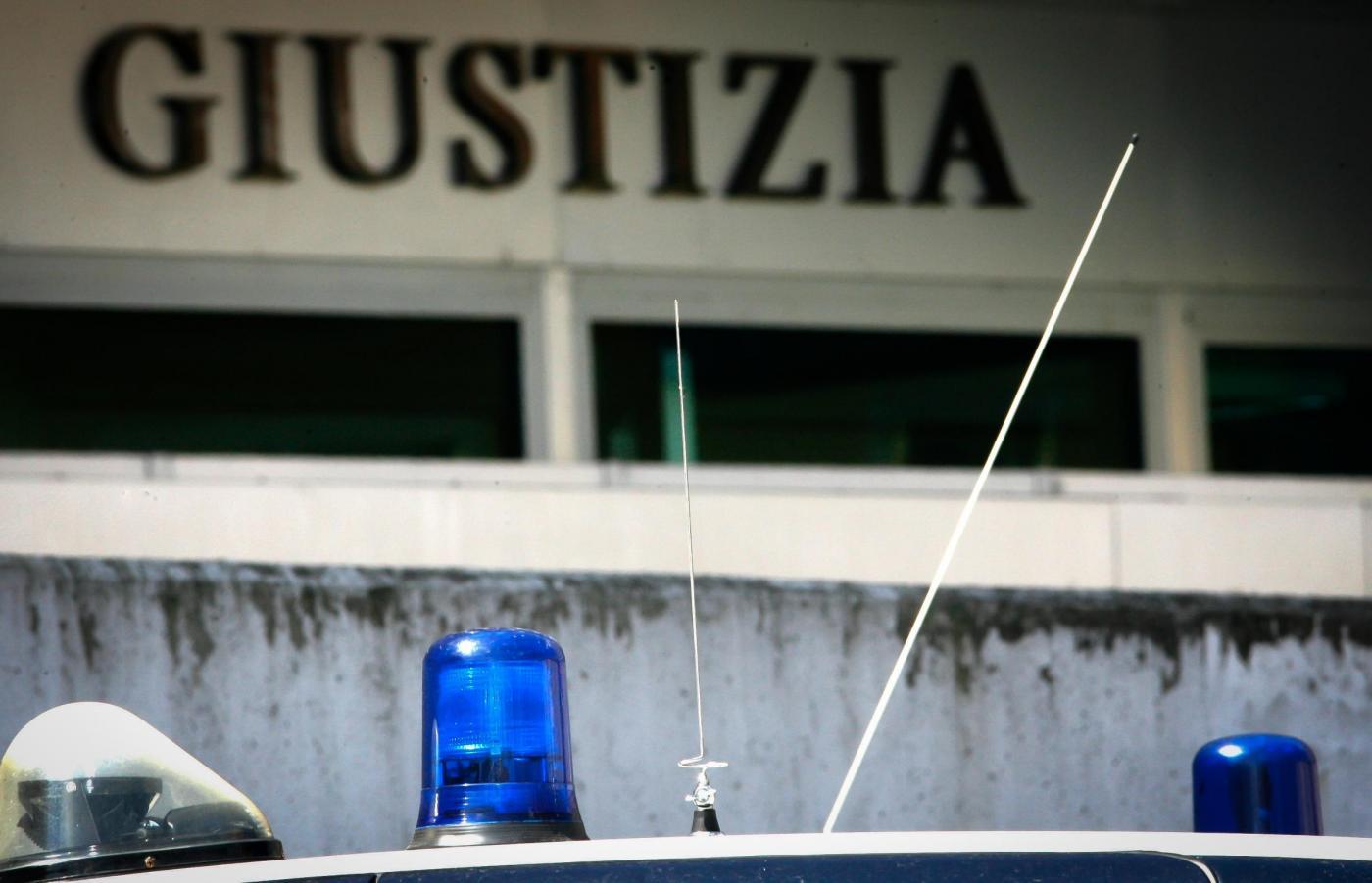 Brescia, baby spacciatore per pagare le bollette: 'Ho sbagliato per aiutare mia mamma'