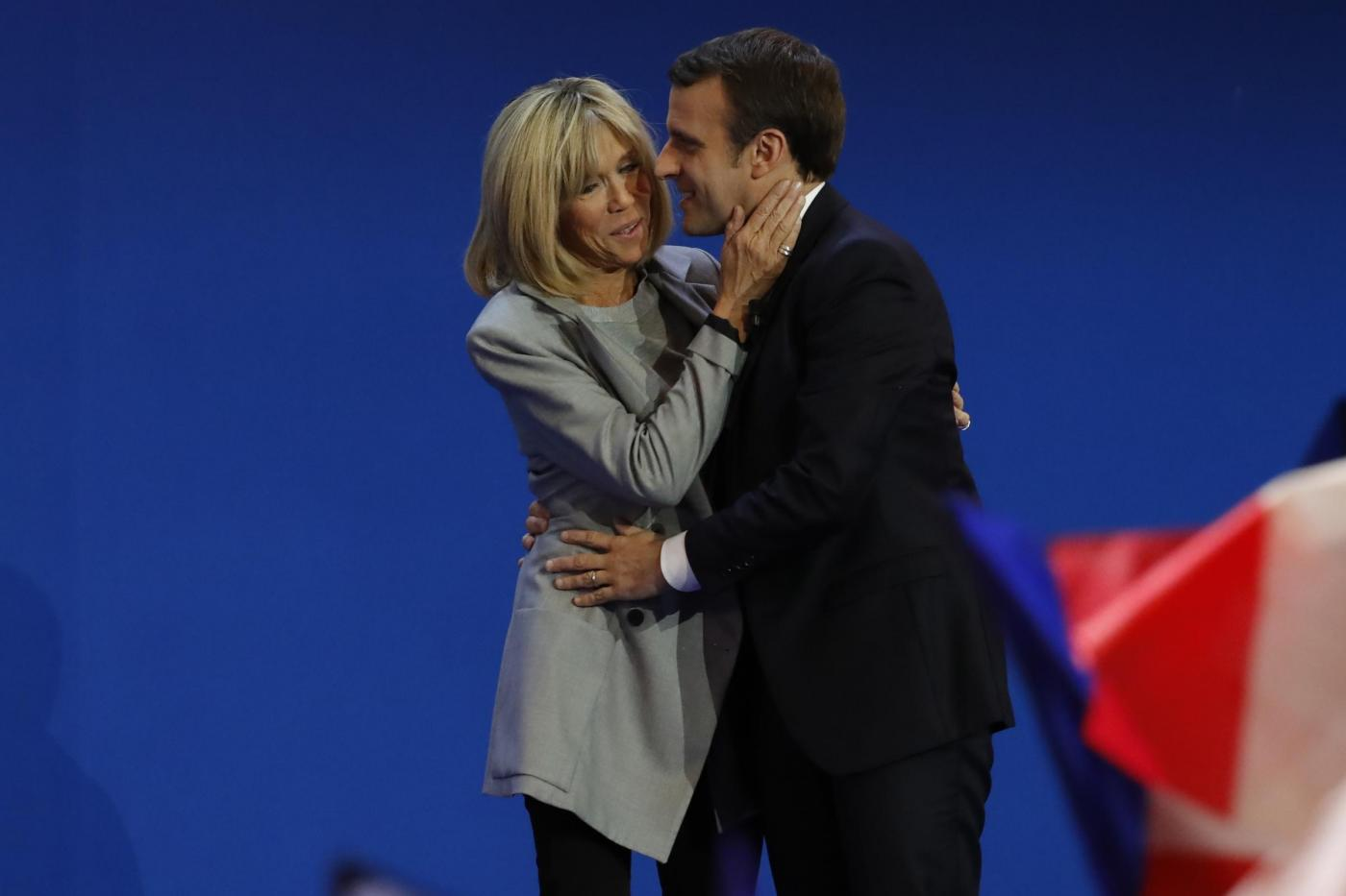Macron e lթnseparabile Brigitte, l'amore fuori dagli schemi