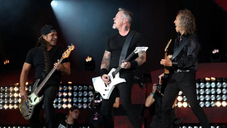 I Metallica aiutano i Blistered Earth: alla cover band derubata ricomprata l'attrezzatura