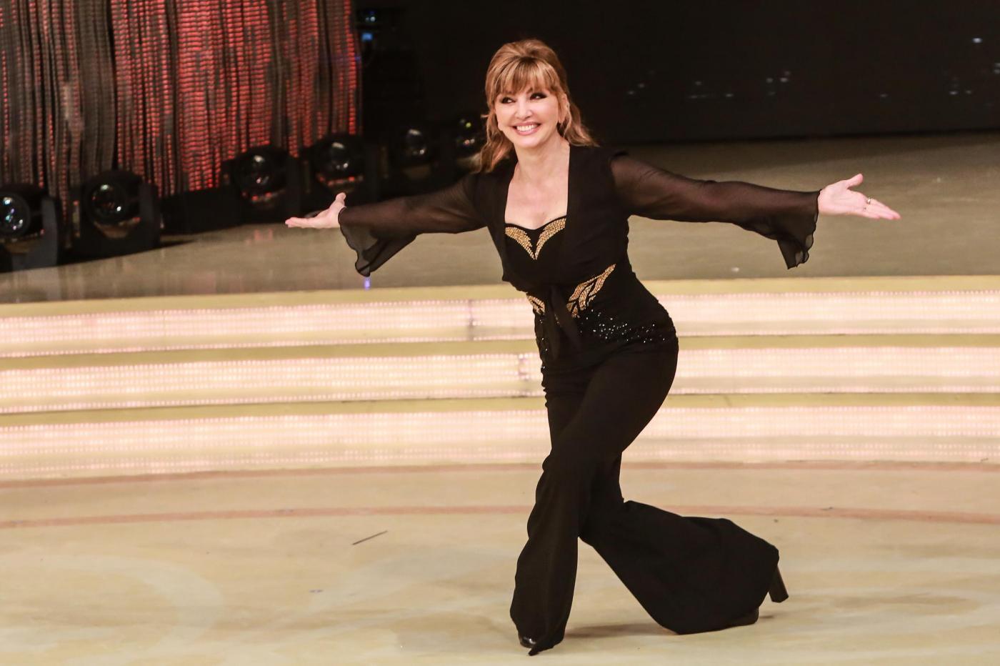 Milly Carlucci giurata da Maria De Filippi? 'Per una sera sarebbe divertente'