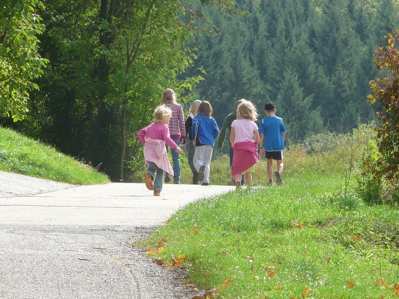 Scuola: camminare 1 km al giorno per combattere il rischio obesità
