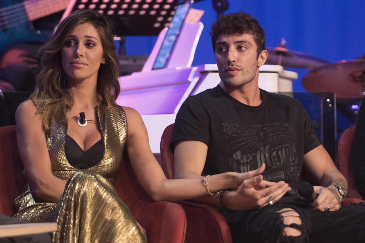Belén Rodriguez e Andrea Iannone al Maurizio Costanzo Show: prima uscita di coppia in tv