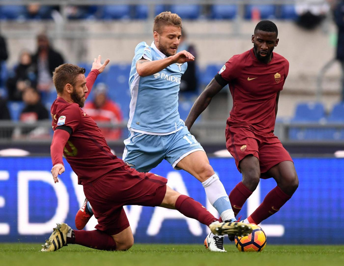 Serie A, la Roma si aggiudica il derby con la Lazio
