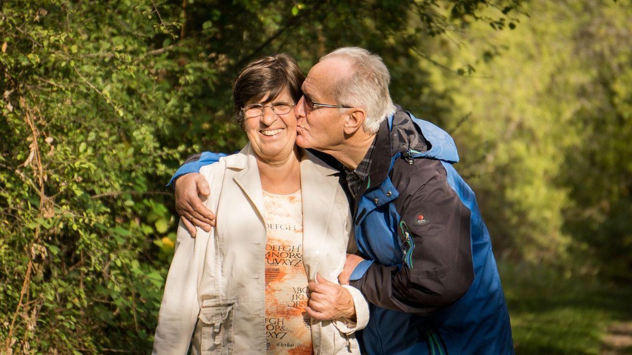 Sessualità tra anziani: dopo i 75 anni esiste ed è un toccasana
