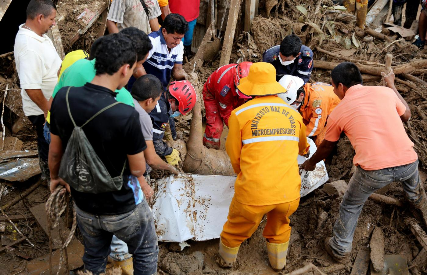 VICTIMS' SEARCH IN MOCOA AFTER LANDSLIDE