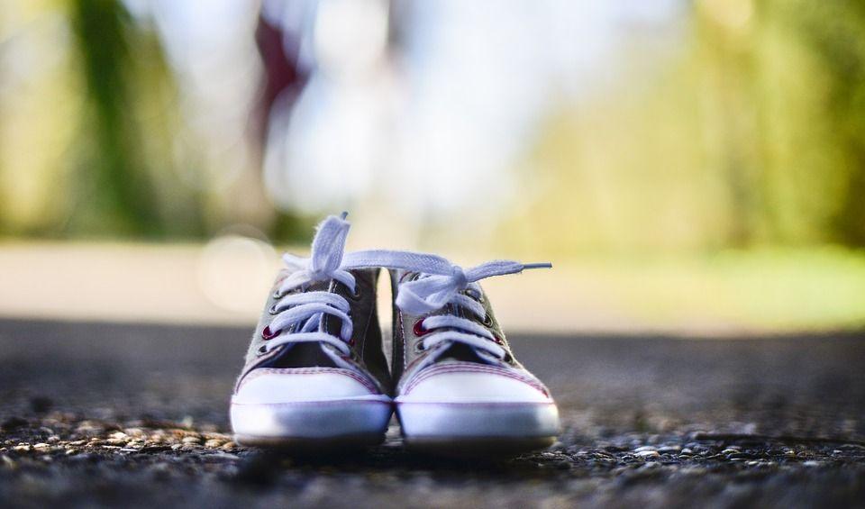 Perché le scarpe si slacciano? Ce lo spiegano gli ingegneri di Berkeley