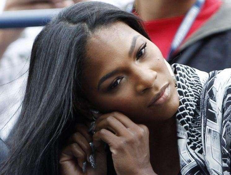Serena Williams incinta, primo figlio col fidanzato Alexis Ohanian