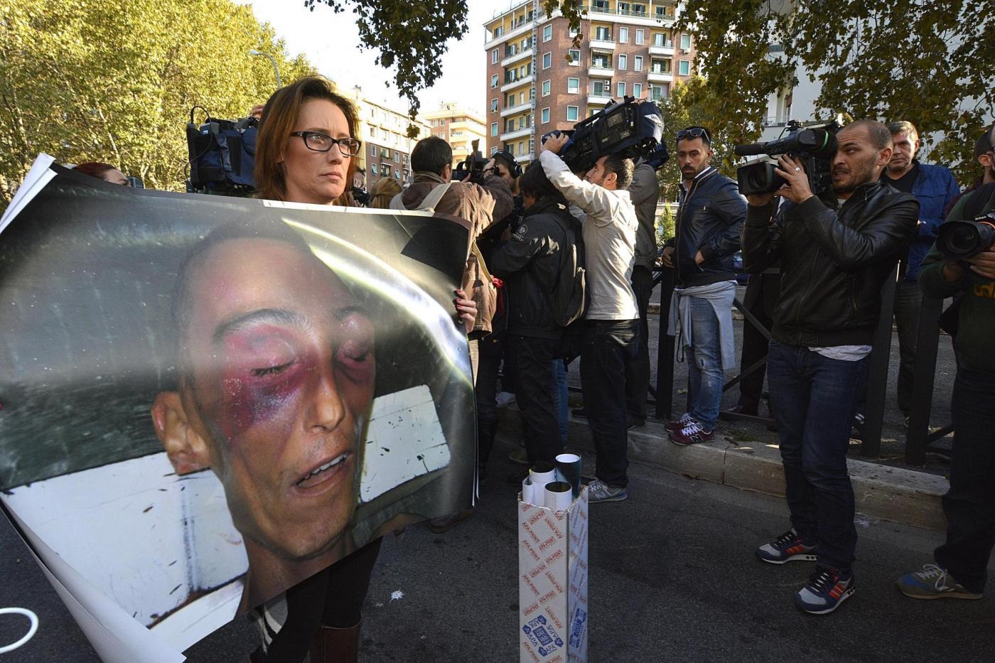 Stefano Cucchi, la Cassazione annulla l'assoluzione dei medici