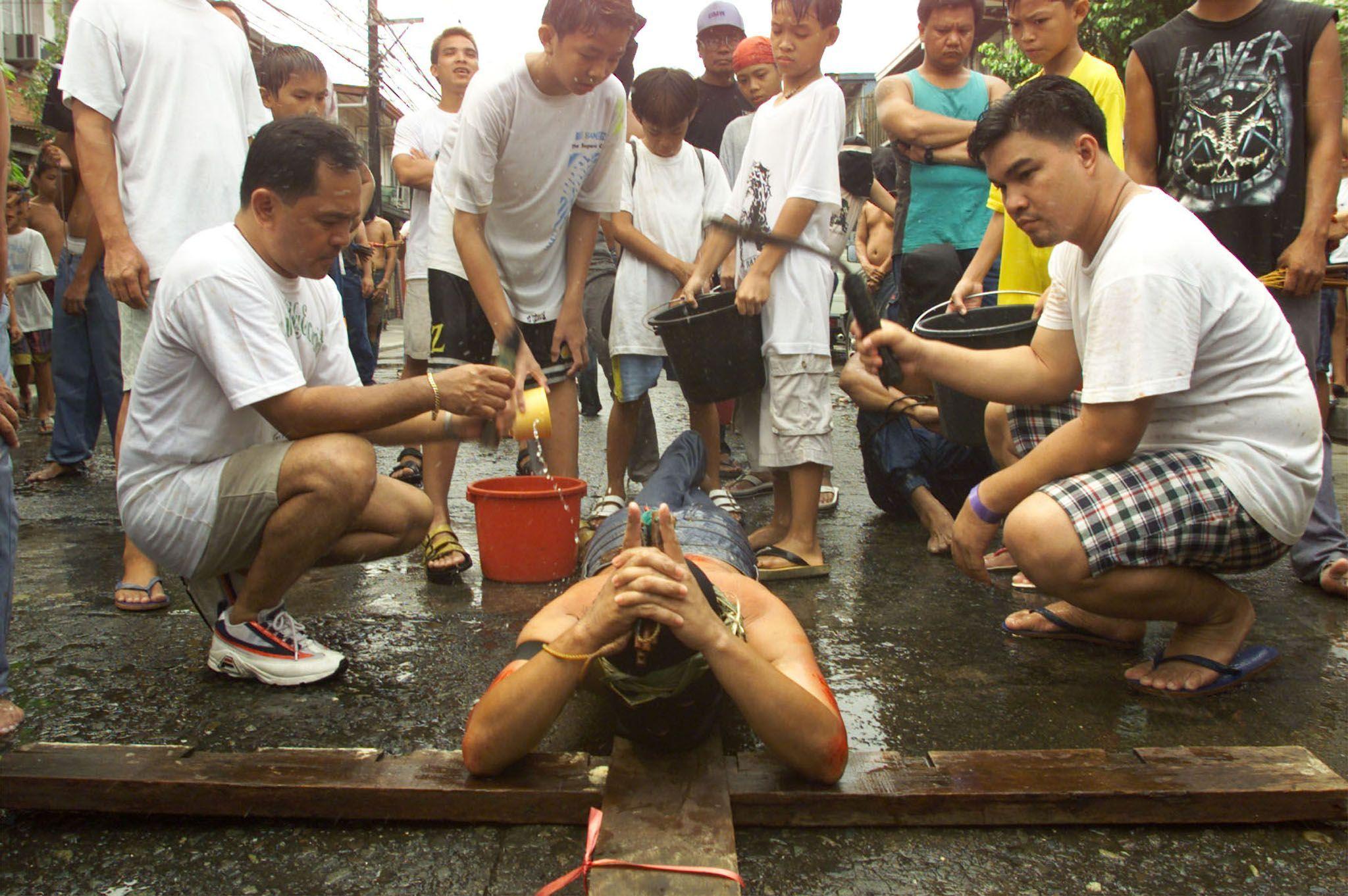 strane tradizioni pasquali nel mondo filippine