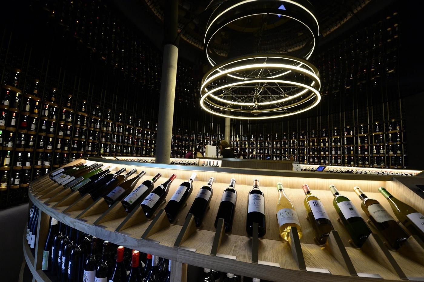 Divani in pelle naturale ricavata dal vino: l'invenzione di due architetti milanesi