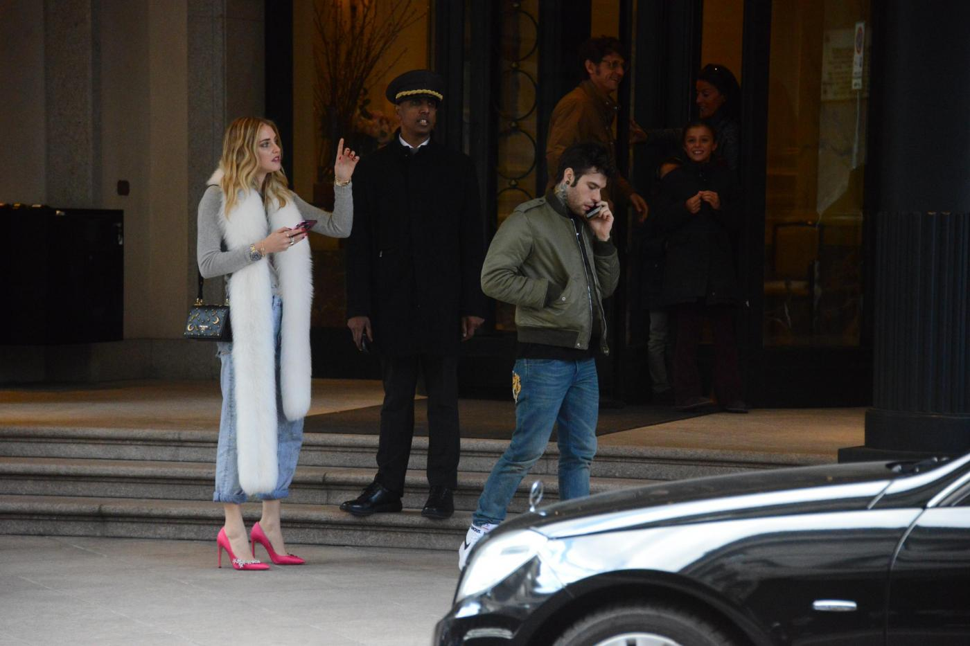 Fedez e Chiara Ferragni con il broncio a Milano