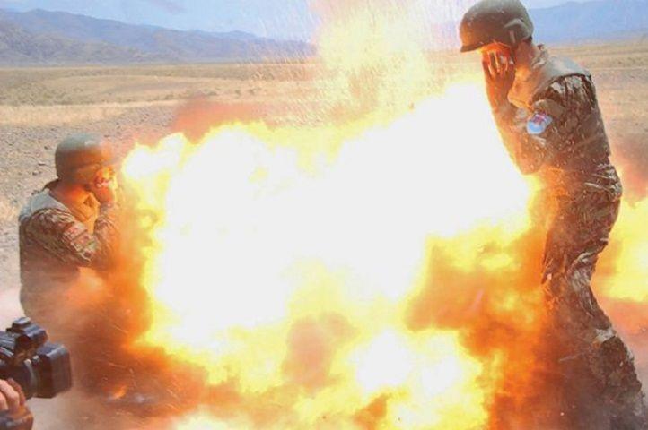 Fotografa di guerra Hilda Clayton è morta a causa dello scoppio di una bomba in Afghanistan