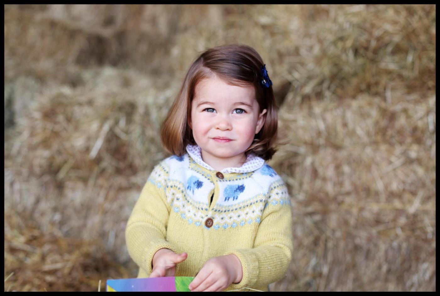 La principessa Charlotte compie 2 anni, la foto scattata da Kate Middleton