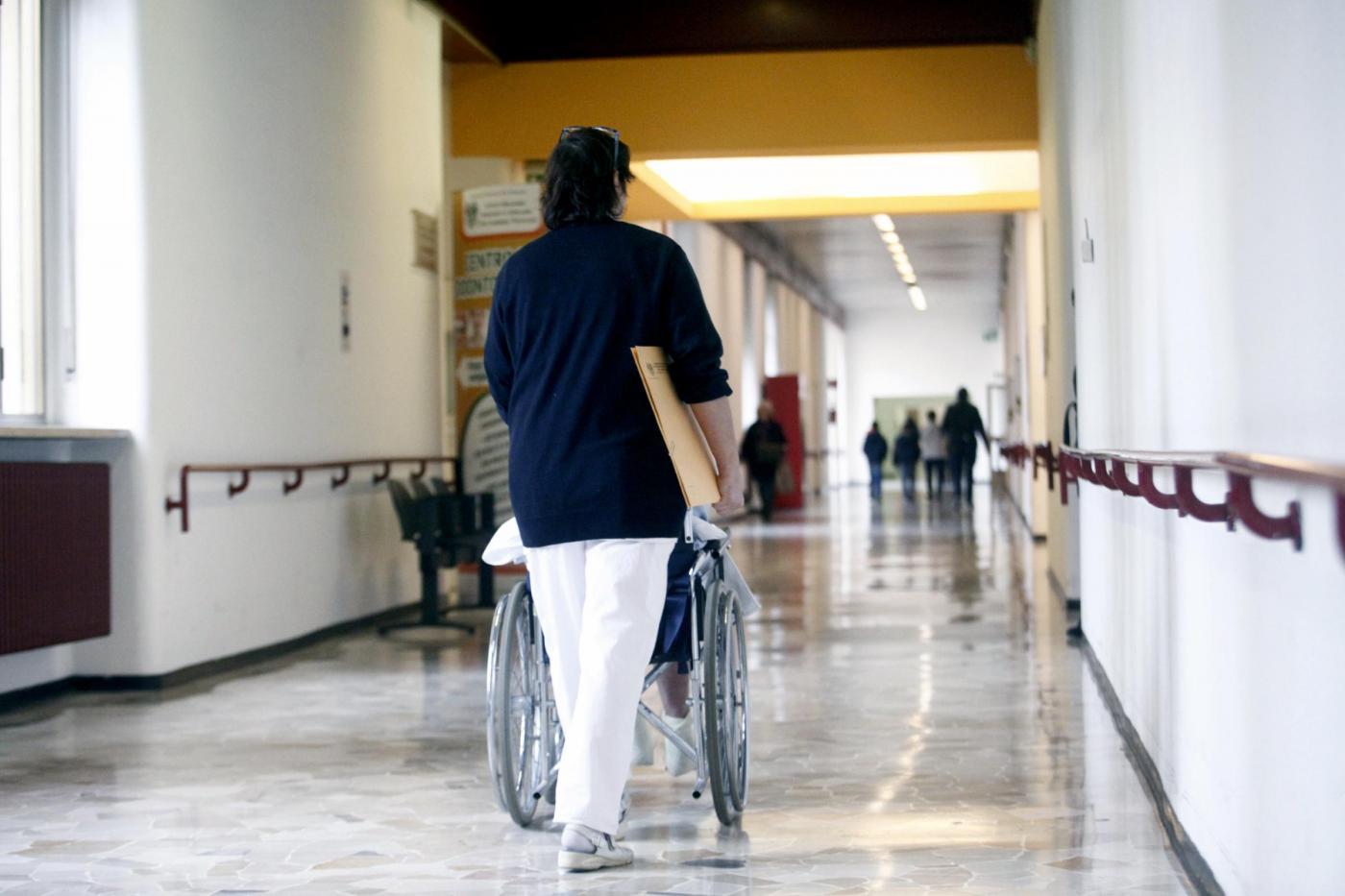 Figli-badanti e caregivers: lo Stato è pronto a riconoscerli, ma senza sganciare un euro