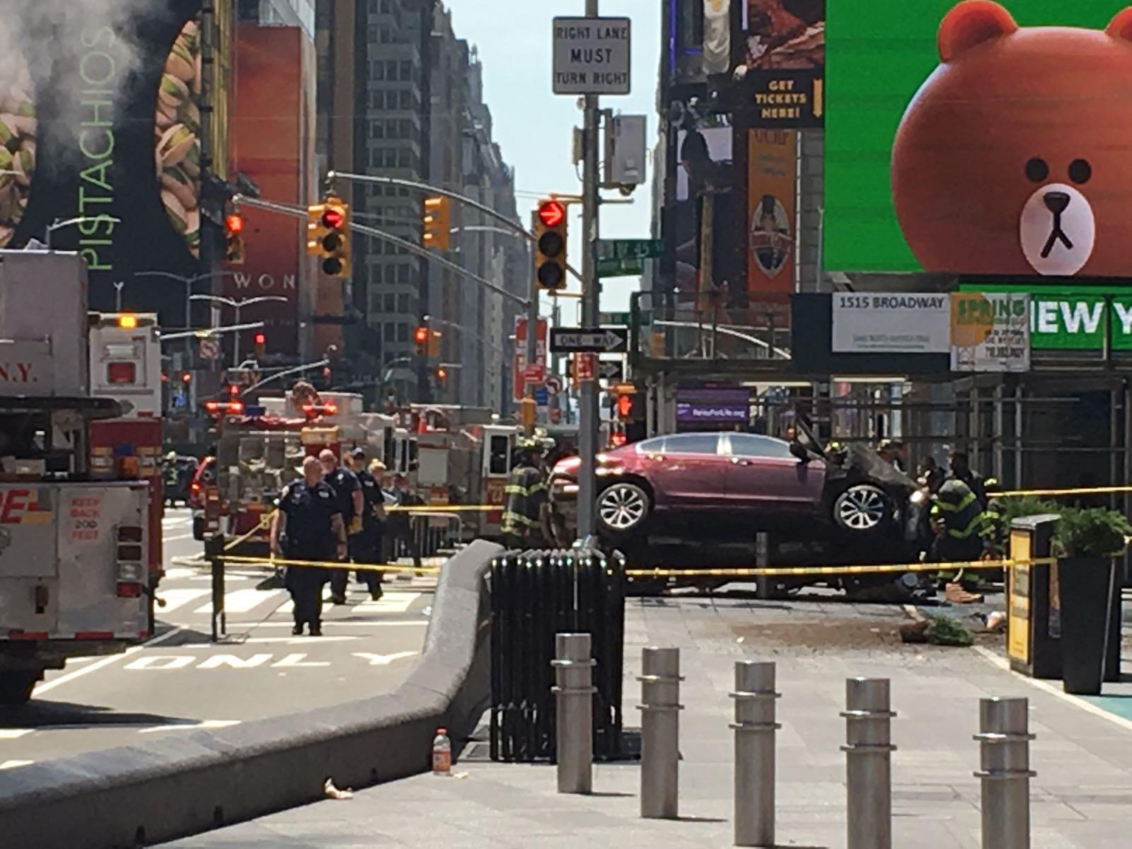 ++ New York: polizia conferma almeno 1 morto, 20 feriti ++