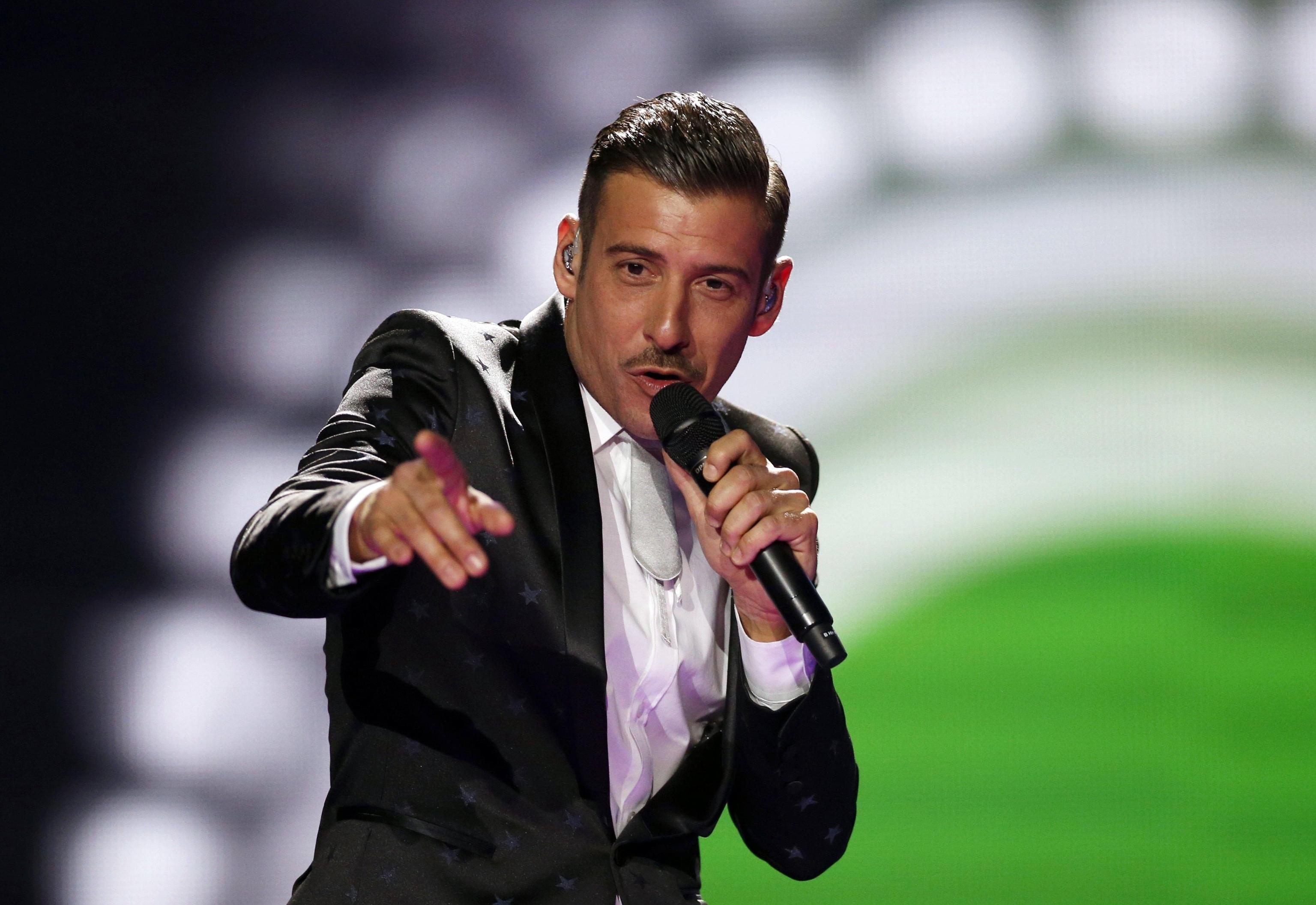 Francesco Gabbani vs. Manuel Agnelli: 'Mi cantate un suo brano?'