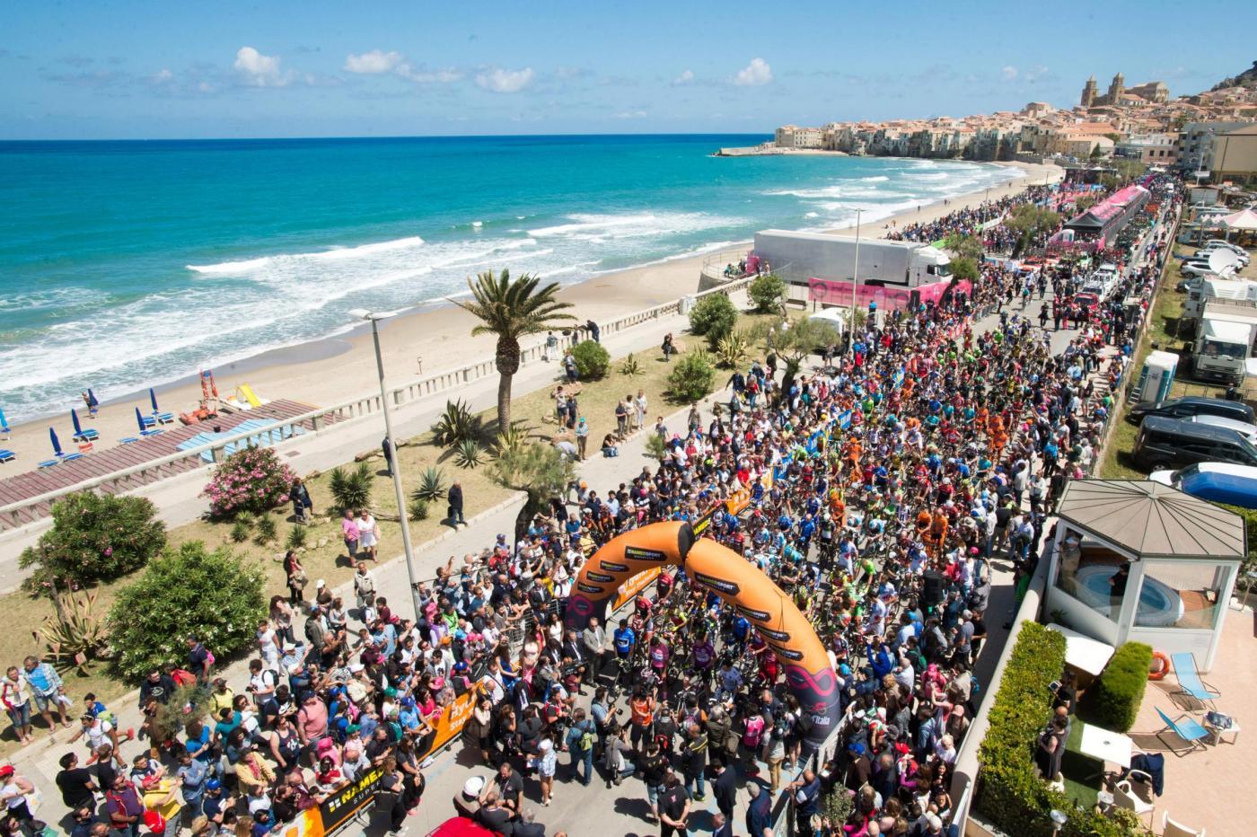 Giro Italia 2017 100a edizione Tappa 4 da Cefalu a Etna 181 km ( 112 miglia )