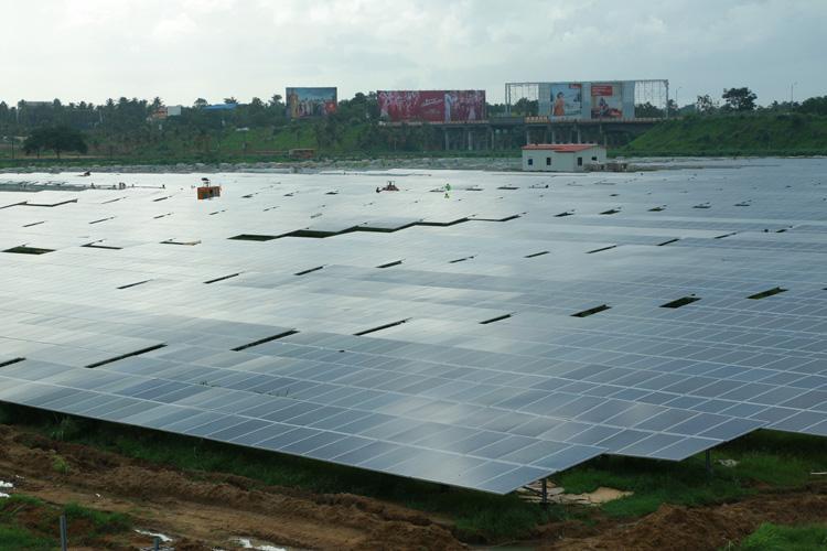 Energia: in India primo aeroporto alimentato solo dal sole