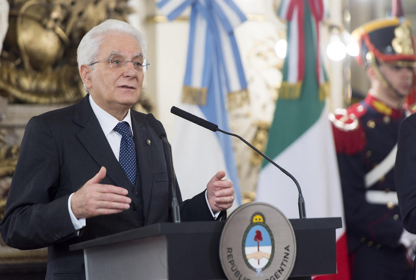 Migranti, Sergio Mattarella in Argentina ricorda quando erano gli italiani a emigrare