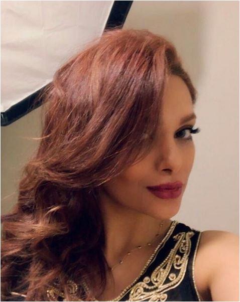 Moglie modella non indossa l'hijab, marito calciatore iraniano sospeso