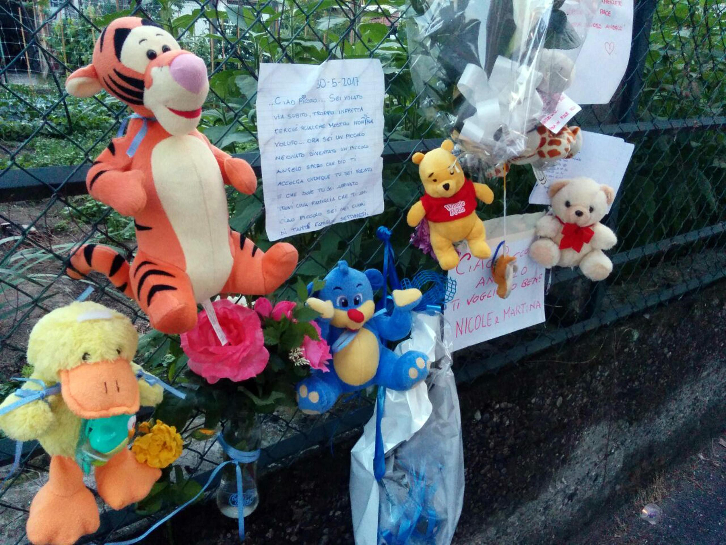 Neonato morto a Torino, confessa la mamma: lanciato dal balcone dopo il parto in casa