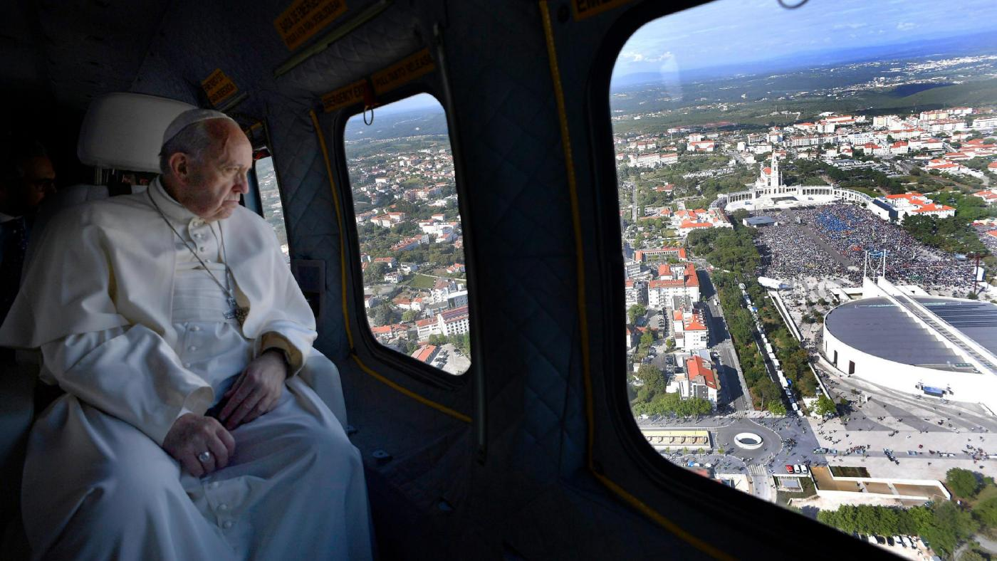 Medjugorje, papa Francesco: «La Madonna non è una postina»