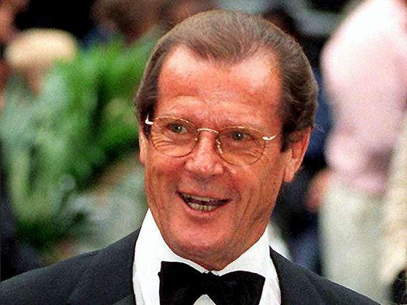 Morto Roger Moore, l'attore che fu James Bond in 7 film di 007