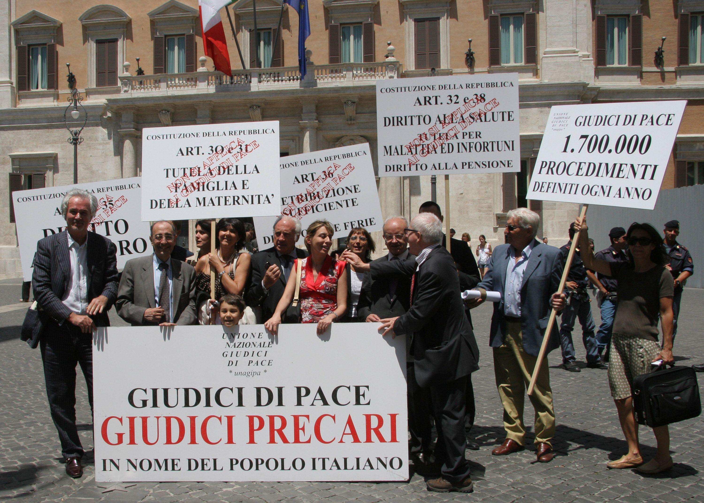Sciopero dei Giudici di Pace: udienze sospese anche a ottobre, solidarietà dai Magistrati Ordinari