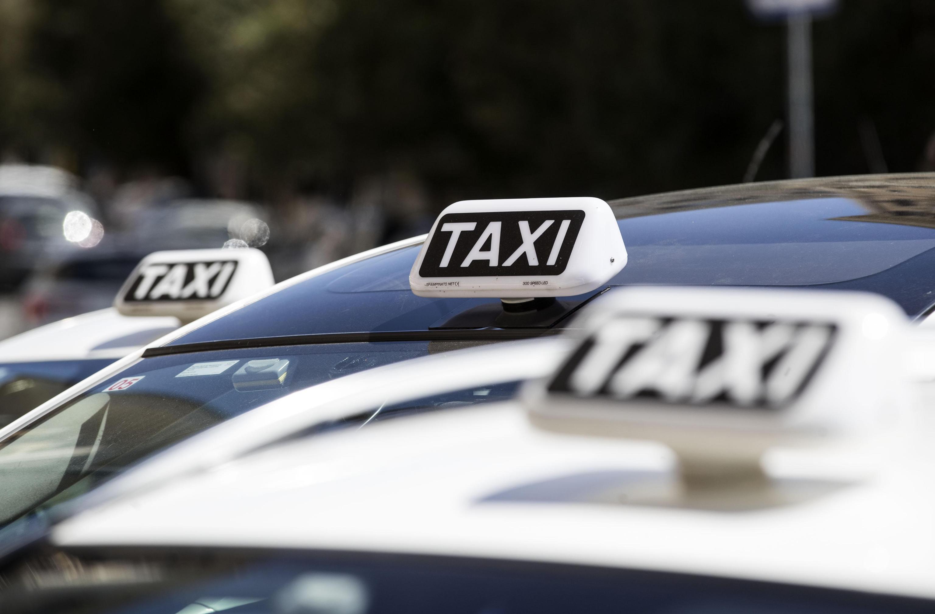 Sciopero Taxi 29 maggio 2017 presso stazioni di treni, aeroporti e porti